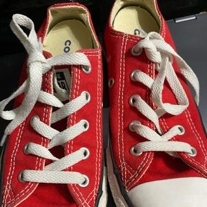 Girls size 1 converse all-star shoes red